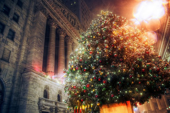 Wall-St-Christmas-Tree-Nov-18-13-Sekiguchi